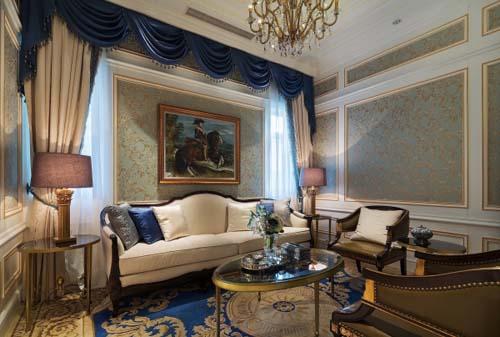 本案设计将法国宫廷的大气恢宏和浪漫优雅的生活情调,以及尖端的现代